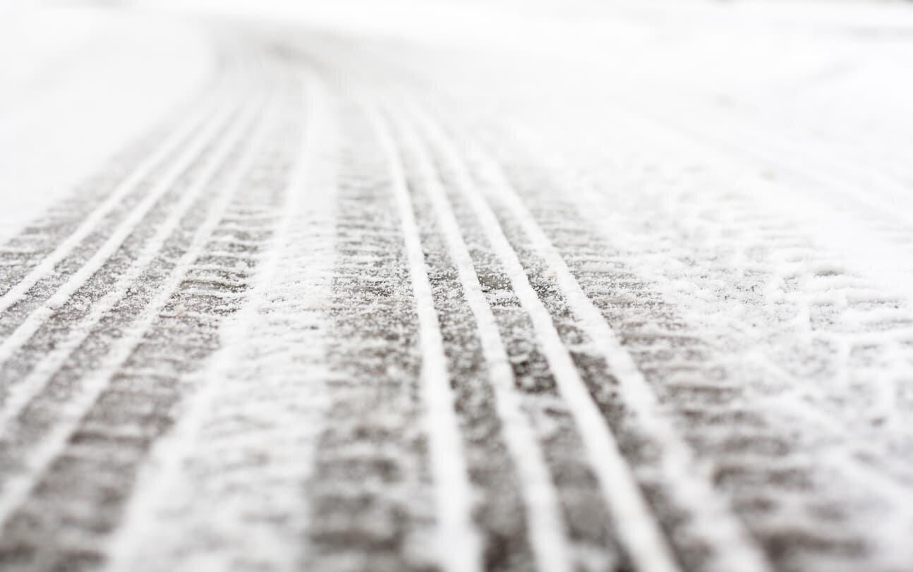 winter tire tracks