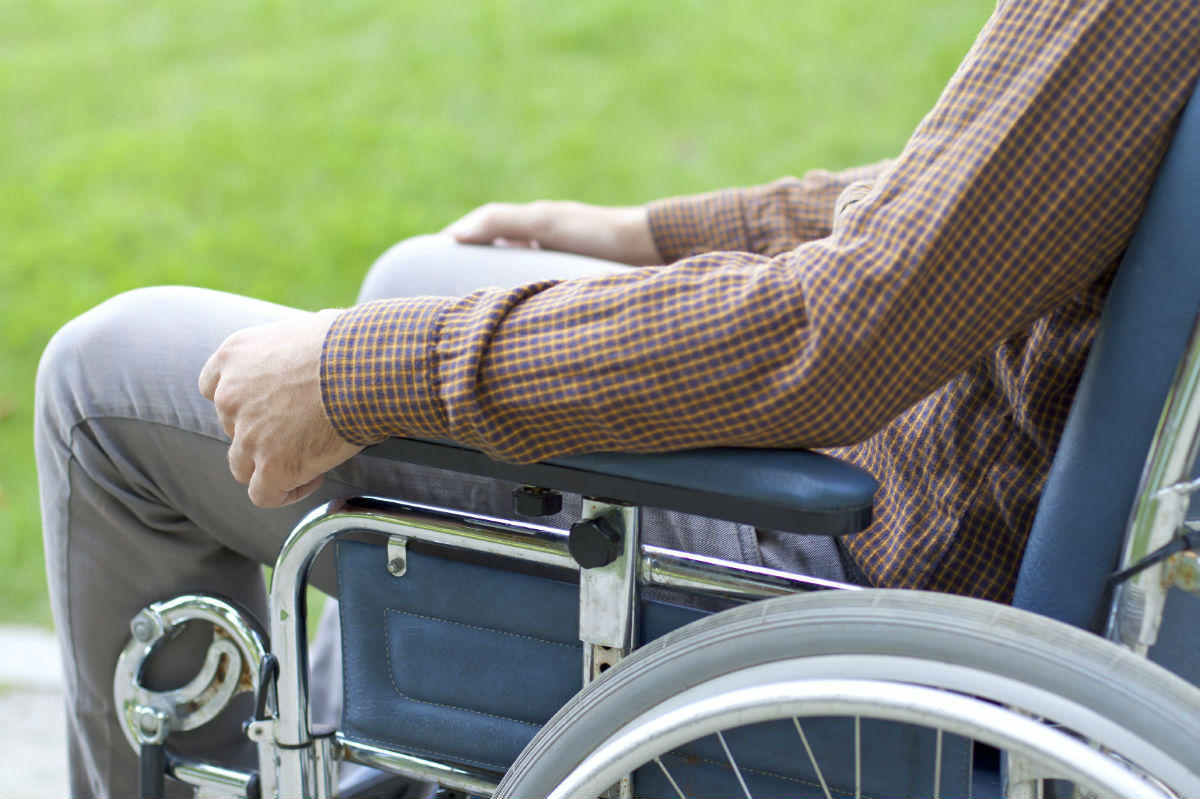 spinal cord injury missouri auto accident