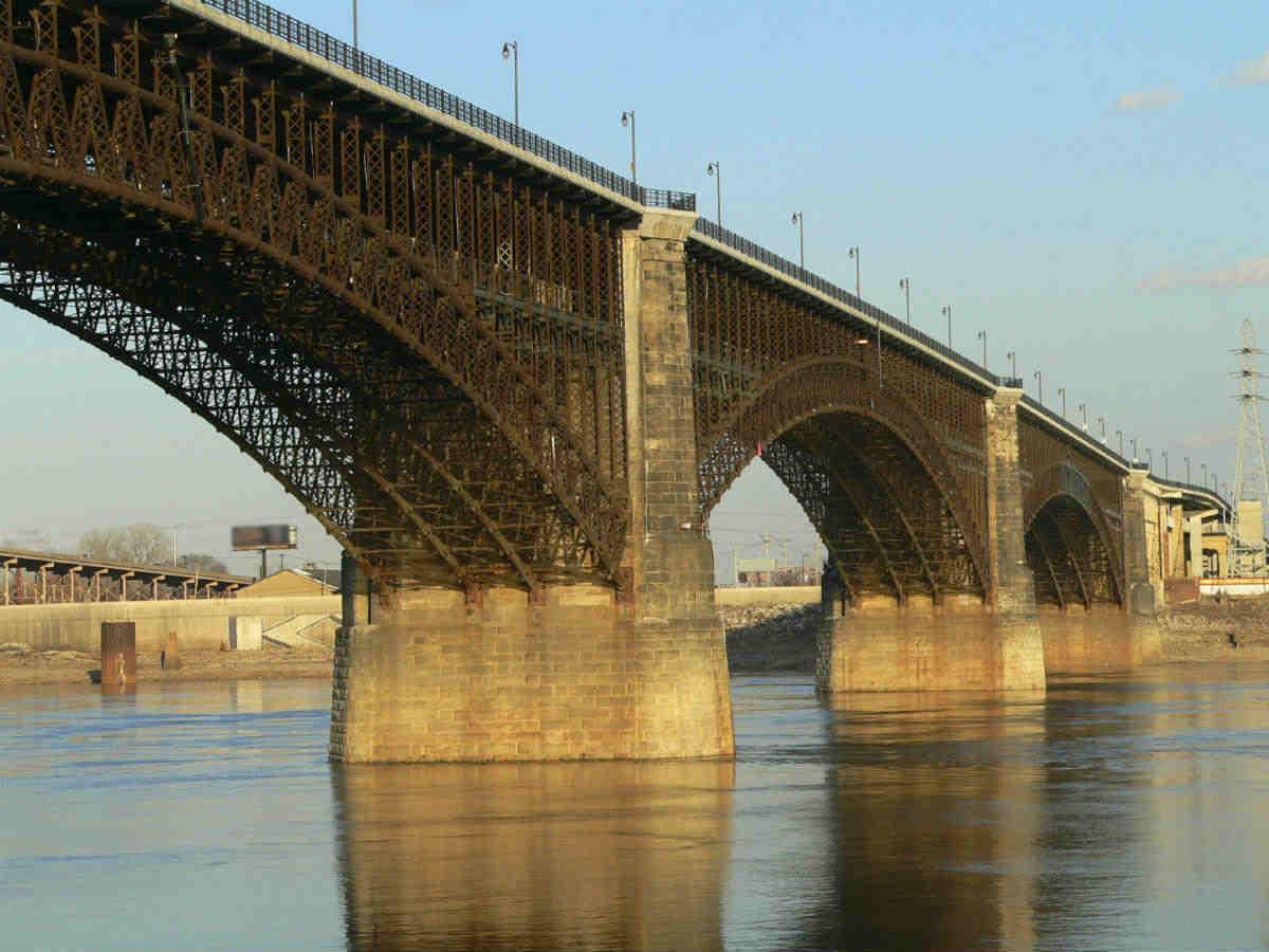 st louis car crash bridge accidents