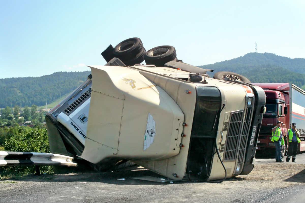 st-louis-auto-wreck-car-ejection