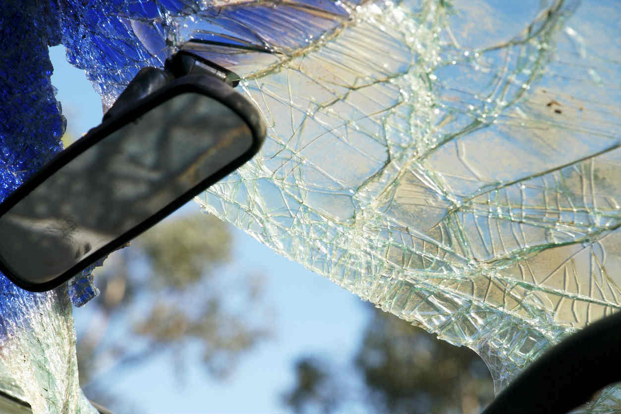 shattered windshield in St. Louis car accident