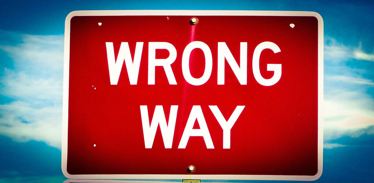 wrong way sign on St. Louis highway