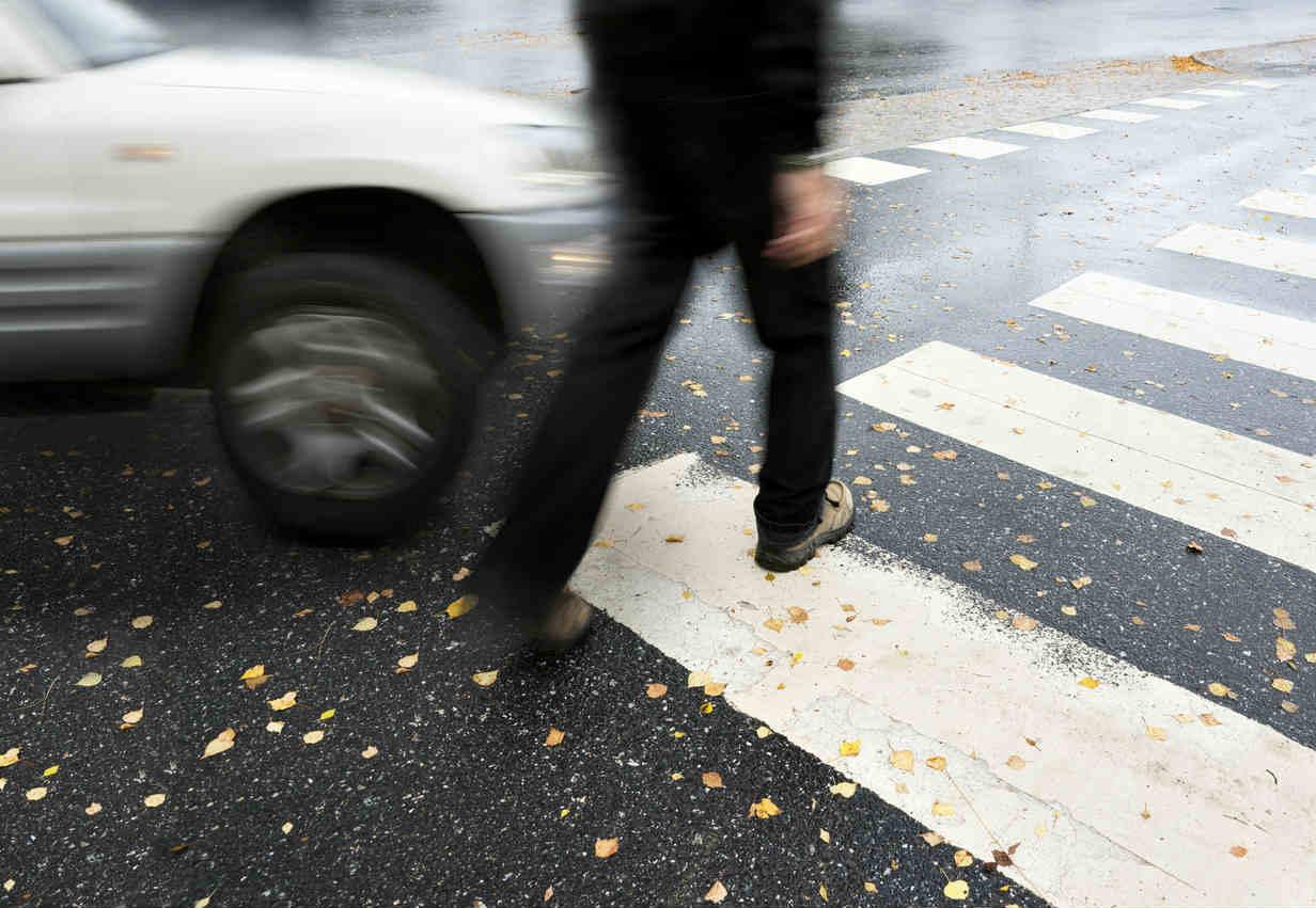 st louis pedestrian car accident