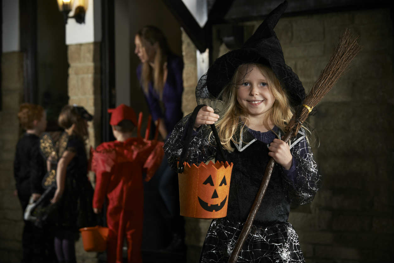 St. Louis girl trick or treating
