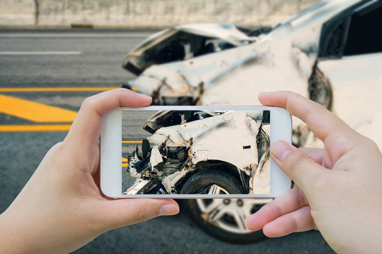 taking a picture of car accident