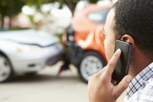 St. Louis man on phone after car accident