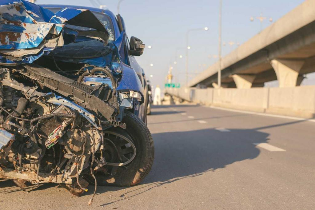 car damage in st. louis car accident
