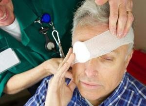 st. louis man with eye injury after car accident