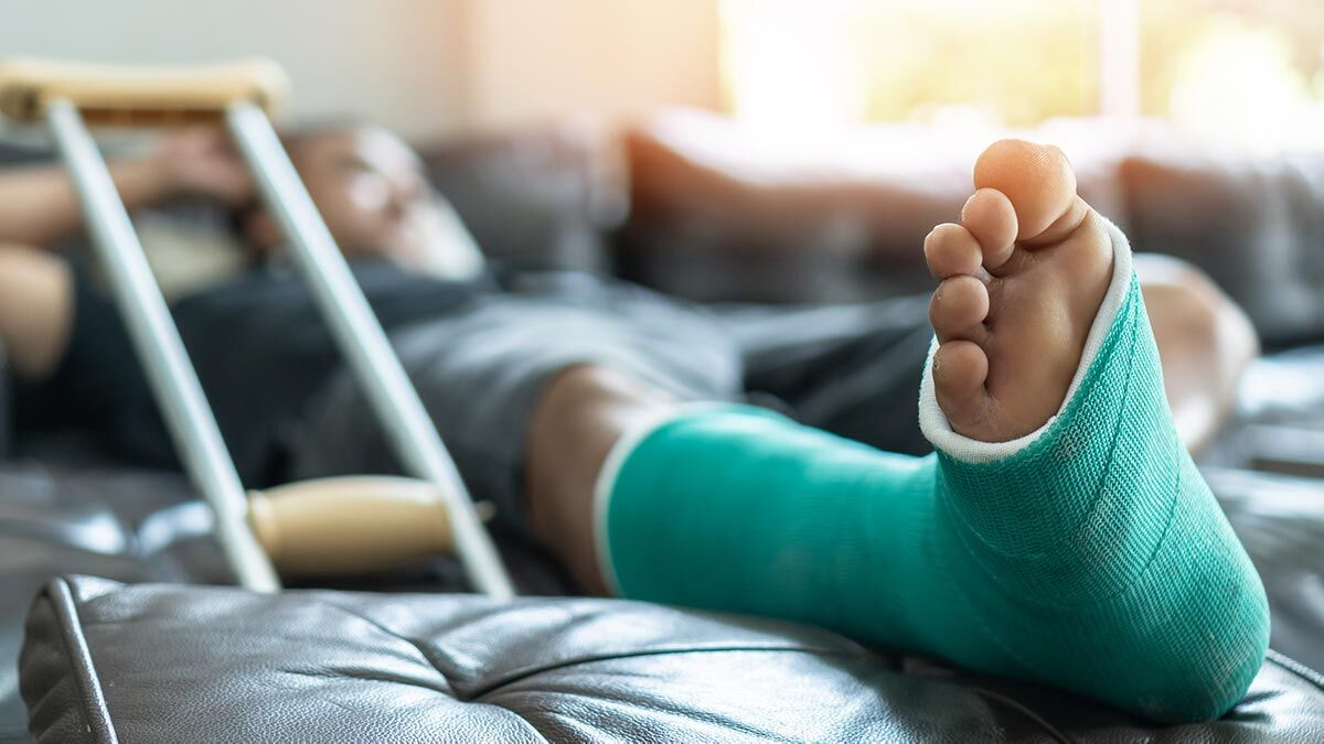 broken bone car accident lawyer st louis