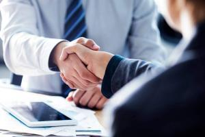 shaking hands with a car accident lawyer