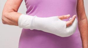 car accident vicitm with wrist injury