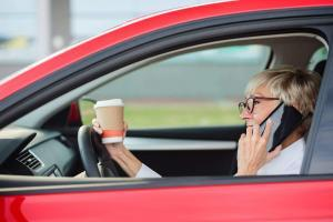 st. louis woman driving while distracted