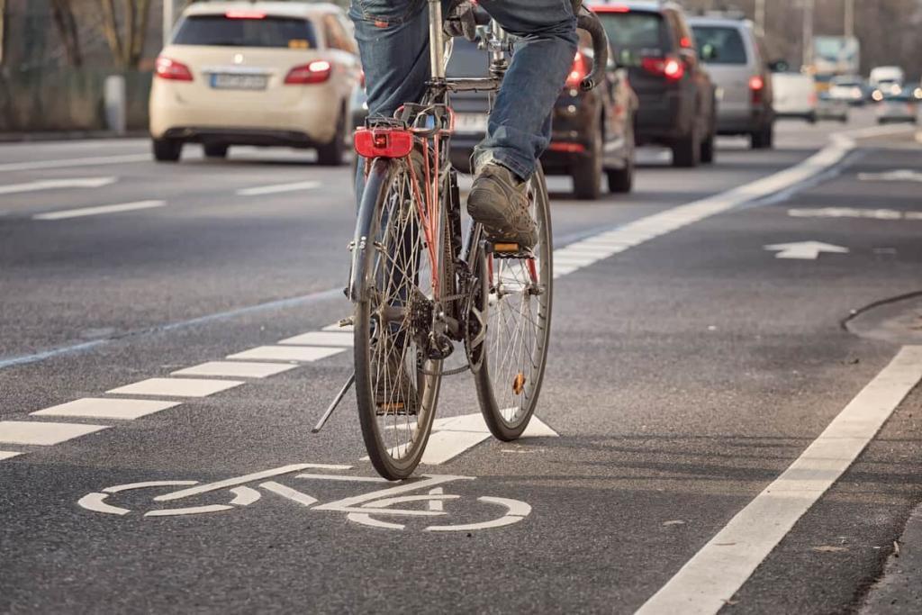a missouri cyclist in the bike lane
